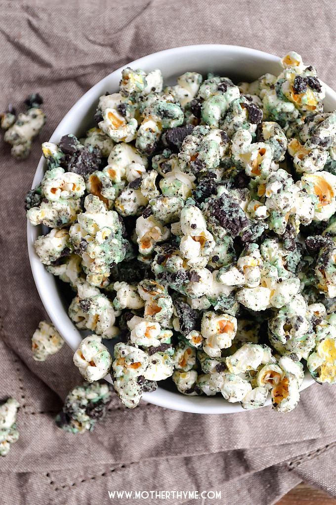 Mint Cookies and Cream Popcorn | Mother Thyme