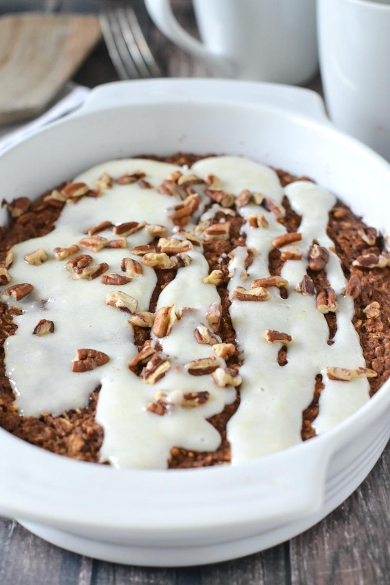 Baked Cinnamon Roll Oatmeal