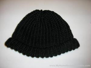 Hat knitted on a loom