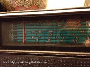 Tuner on Juliette shortwave radio