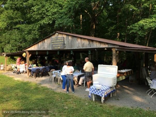Fish Hawk Acres outdoor dining