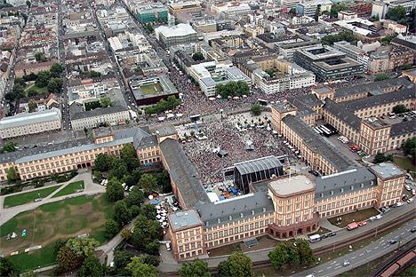 wpid-468130000-bei-Arena-of-Pop-2011-07-10-16-55.jpg