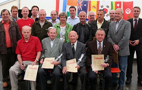 wpid-468TSV-Mudau-ehrte-Mitglieder-2011-07-4-21-08.jpg