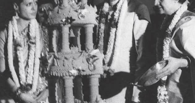 Sonia and Rajiv Gandhi's wedding cake in Delhi, 1968. Indira Gandhi is on the right Read more at: //economictimes.indiatimes.com