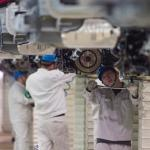 china-auto-industry-white lab coats factory