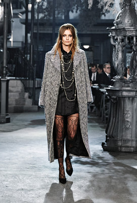 Chanel_runway_fashion_magazine_social (1)