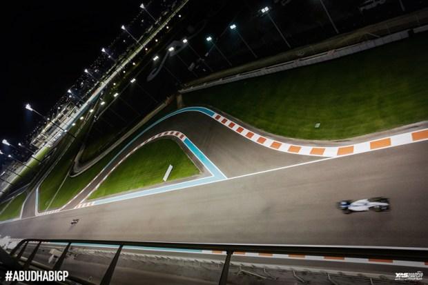 yas-marina_formula1-race-dubai-social-magazine-(11)