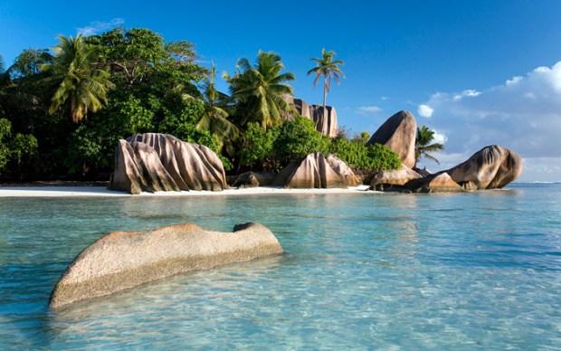 sunny-shores-seychelles-wide-