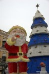 Santa at the entrance to the Largo de Senado