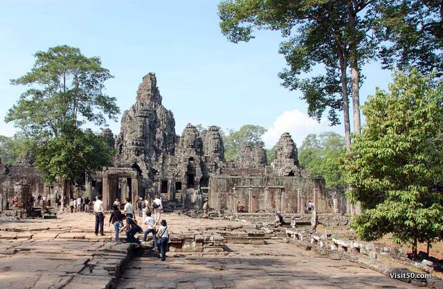 entrance to Bayon complex