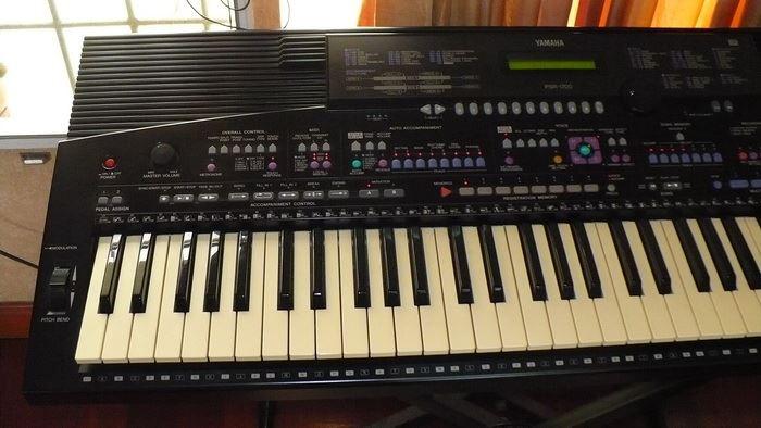 Yamaha PSR 1700