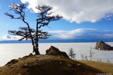 Russie, Olkhon, rocher chamanique