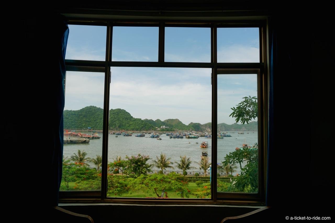 Vietnam, Cat Ba Island, la chambre d'hôtel
