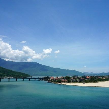 Vietnam, sur la route entre Hué et Hoi An