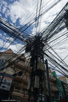 Cambodge, Phnom Penh, fils électriques