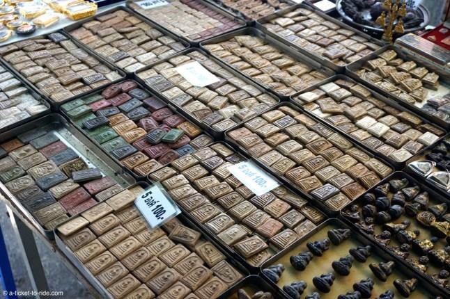 Thaïlande, Bangkok, marché aux amulettes