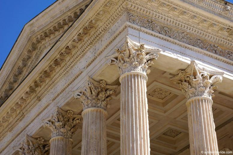 nimes-maison-carrée-colonnes