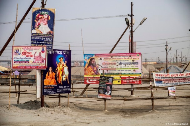 Inde-Khumbh Mela-panneaux