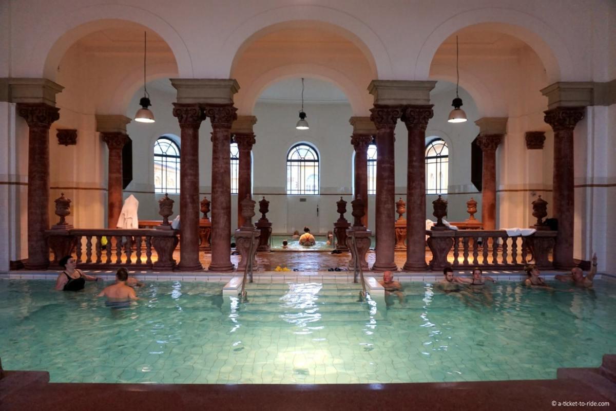 budapest-bains-szechenyi-interieur