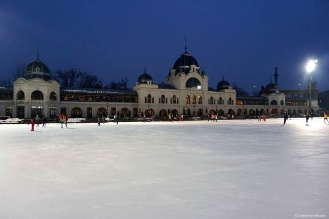 budapest-patinoire-plein-air
