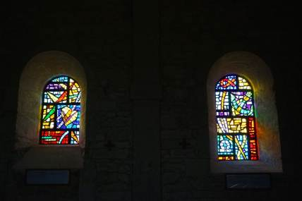 Ain, Chapelle de Retord, vitraux