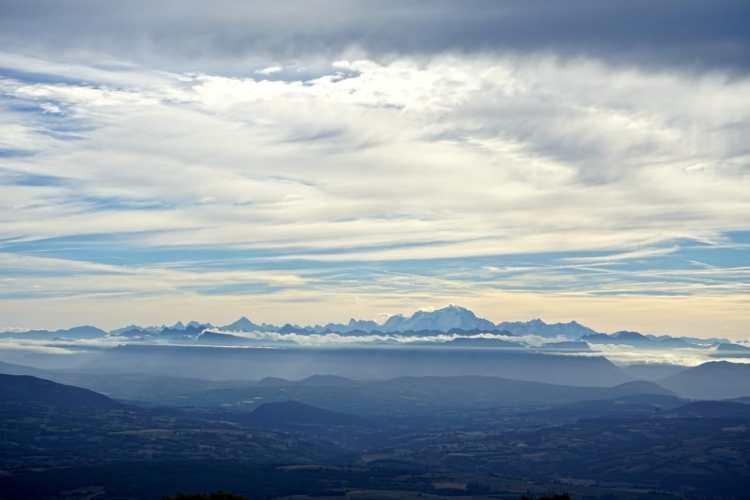 plateau-de-retord-panorama-alpes.jpg