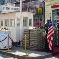 Berlin, Checkpoint Charlie, reconstitution