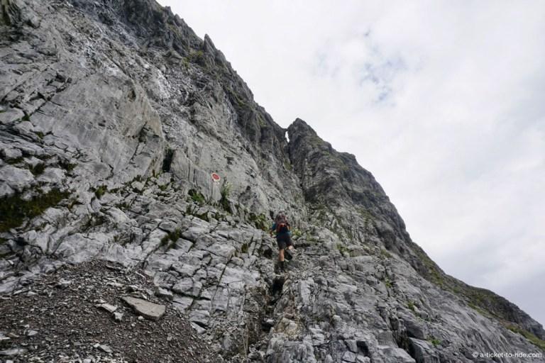 Passage des échelles au Col des Ottans