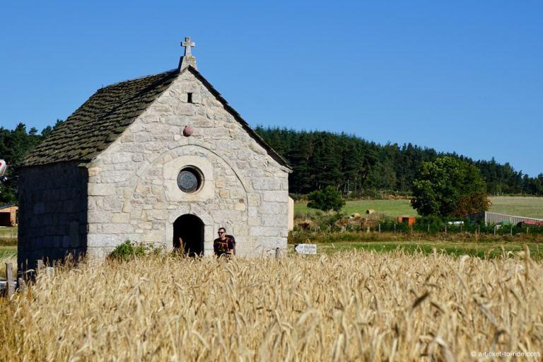 Aubrac, chapelle sur le Saint-Jacques-de-Compostelle