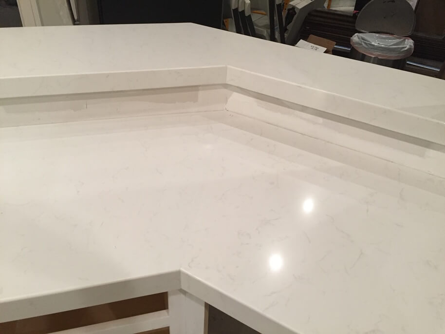 Quartz with miter Seam