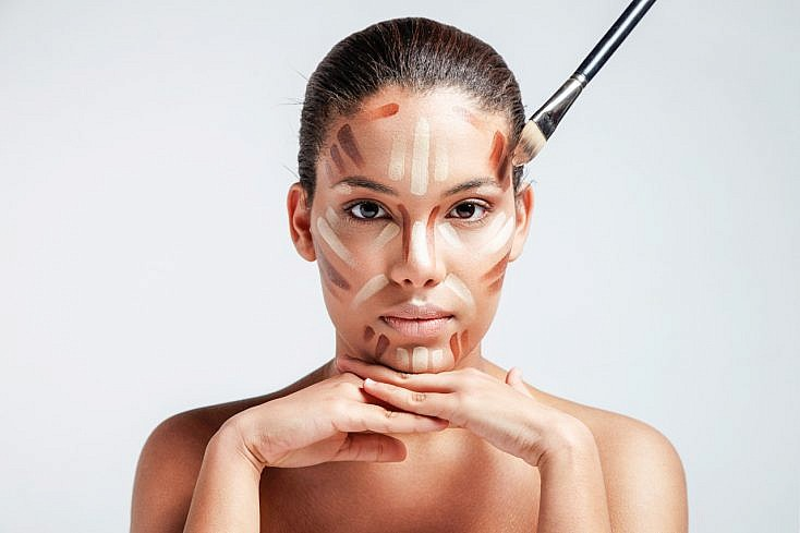 dodge-and-burn-contouring-maquillaje-734x489