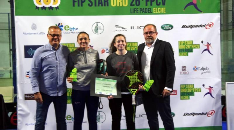 Unas 300 parejas han competido en Elche en el 1er Torneo Internacional FIP STAR ORO de pádel disputado en España