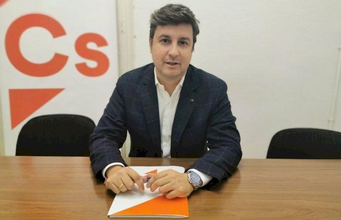 """García-Ontiveros: """"Cuando hablamos de infraestructuras para Elche, muchos son los anuncios y pocas las realidades"""""""