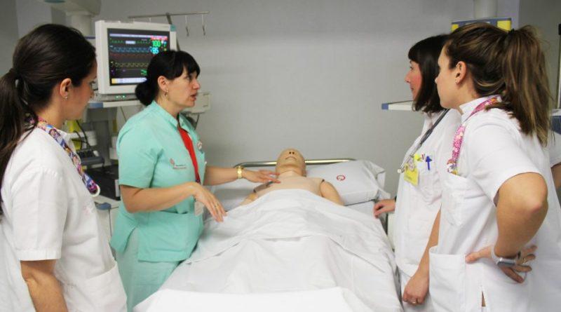 El Hospital de Torrevieja inaugura una unidad de entornos simulados