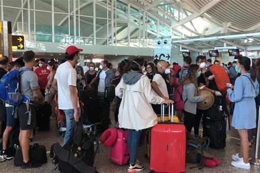 España facilita que casi 2.000 turistas españoles regresen gracias a la coordinación con otros países