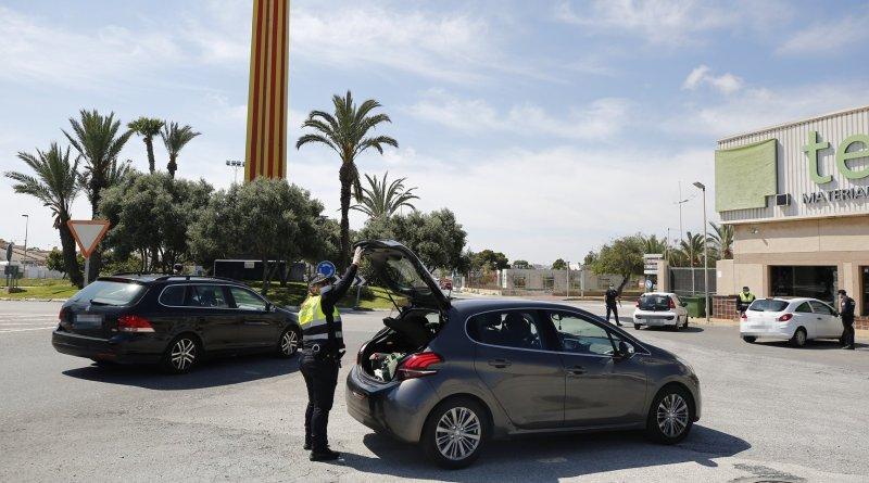 La Policía Local de Torrevieja continúa intensificando los controles en las entradas a la ciudad