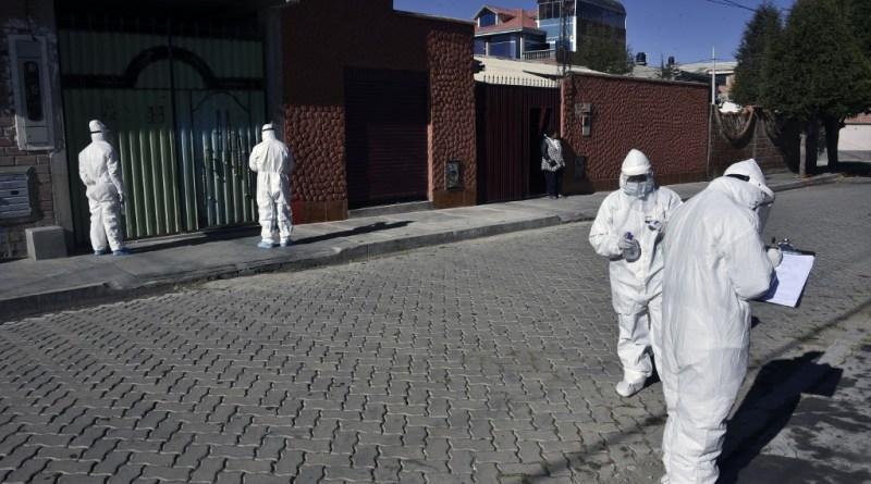 Hospitales y morgues al borde del colapso en Bolivia por la pandemia