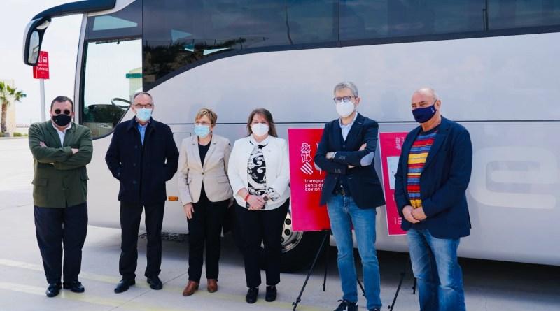 La Conselleria de Movilidad habilita un servicio de transporte gratuito hasta los puntos de vacunación masiva instalados en IFA y Ciudad de la Luz