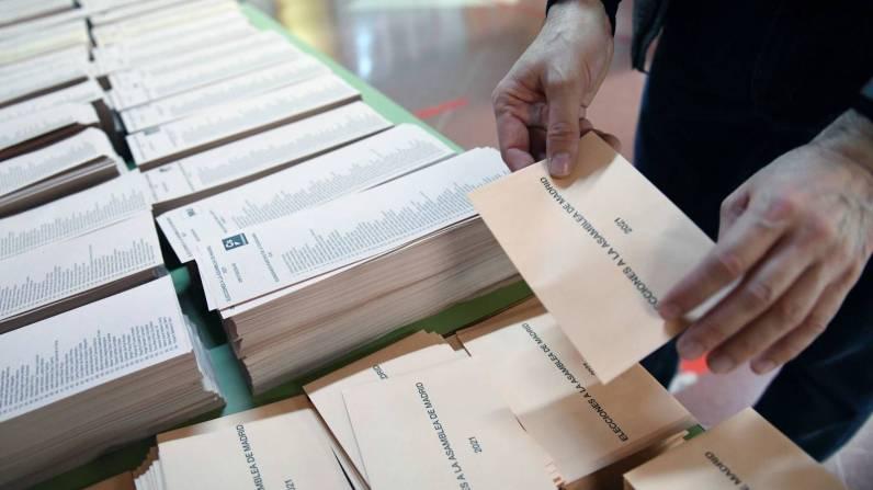 elecciones-madrid-en-directo-largas-colas-y-llamadas-a-la-participacion-de-los-candidatos