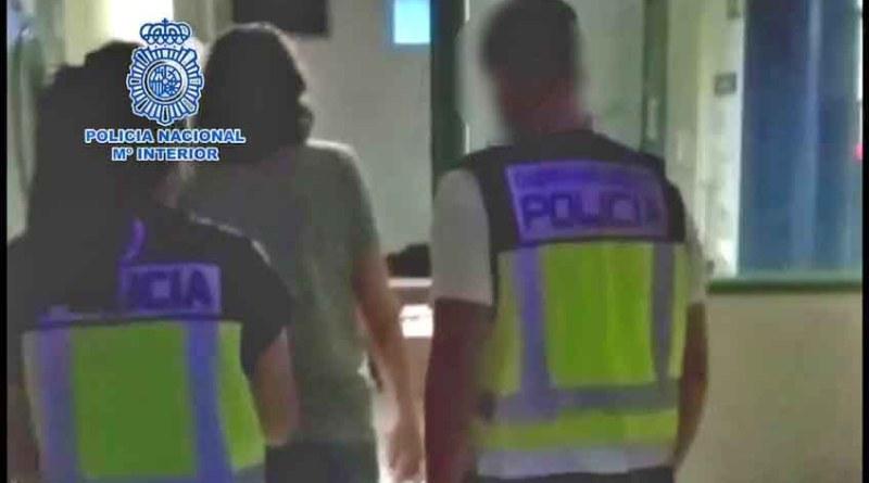 La Policía Nacional ha detenido en Elche a dos prófugos que se encontraban huidos de la justicia europea