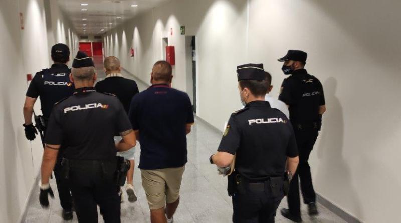 La Policía Nacional ha detenido a un grupo organizado especializado en cometer hurtos en el Aeropuerto de Alicante-Elche