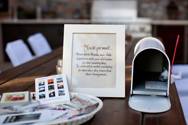 mailbox-wedding-guestbook