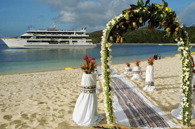 Land based cruise wedding