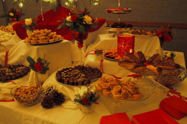 A2ZWeddingCards-Christmas Wedding theme Food and Drinks