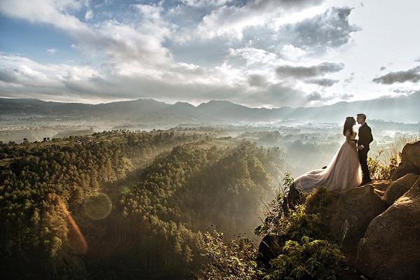 Adventure and destination weddings - A2zWeddingCards