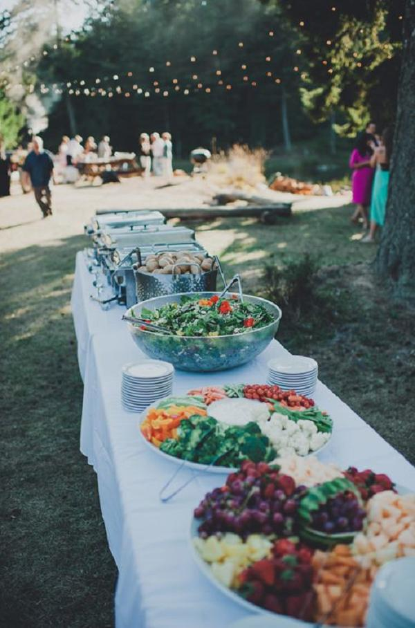backyard-themed-wedding-buffet-ideas-A2zWeddingCards