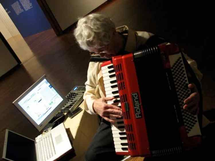 Pauline Oliveros (photo by Ione)