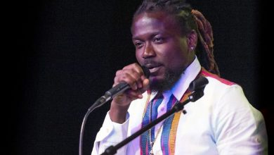 "Photo of Samini lashes out at Shatta Wale: ""Sometimes sit down small and serve us content"""