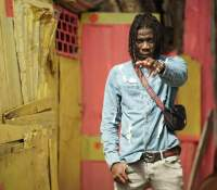 Refrain from engaging in insults and attacks on social media – Stonebwoy to fans