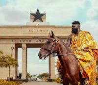 Meet the amazing Ghanaian walking artist and model – GlennSamm